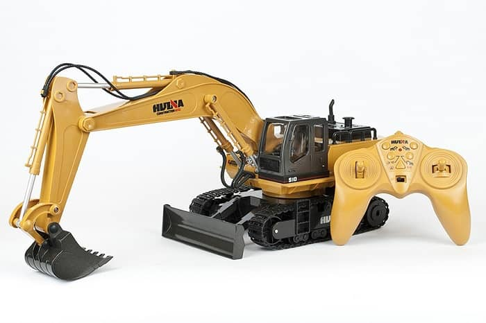 HUINA 1/16 SCALE RC EXCAVATOR 11CH WITH DIE CAST BUCKET