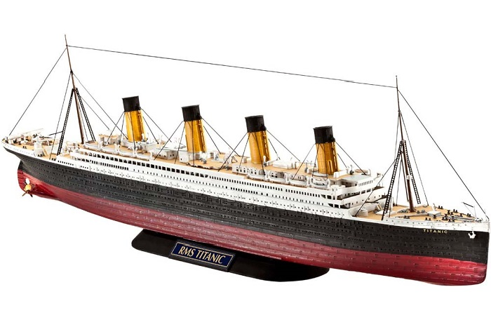 1/700 R.M.S. Titanic Plastic Model Kit