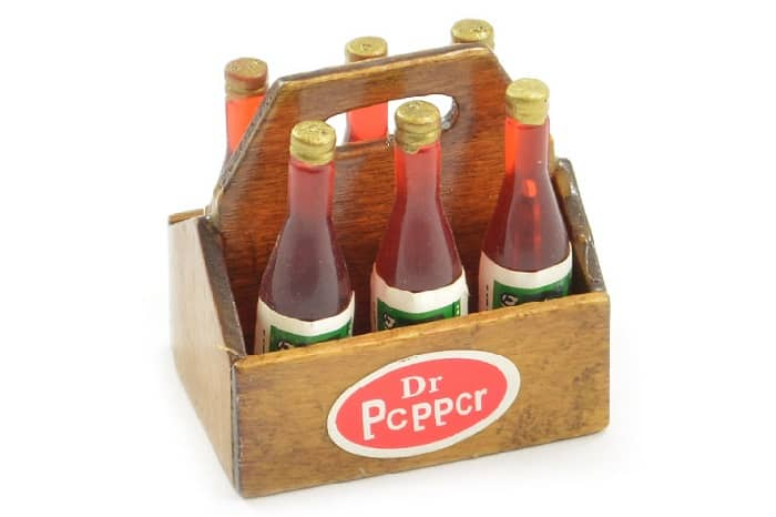 FASTRAX SCALE WOOD CRATE WITH SOFT DRINK BOTTLES